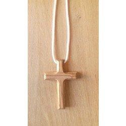 Croix d'aube en bois d'olivier avec cordon - 7 cm
